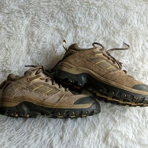 Columbia hiking shoes good shape some wear 6